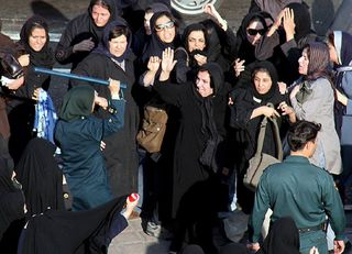 Women-rights-activists-Iran1-s