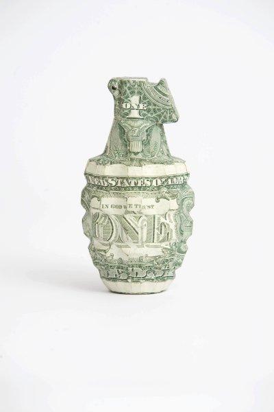 MoneyHandGrinade