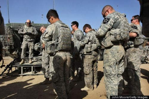 Evangelical-Christian-SOLDIERS-PRAYING-large570-550x366